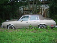 Oldsmobile Cutlass Brougham Supreme 1983, vente à la pièce...