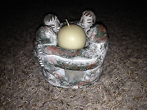 Small circle of friends candle holder