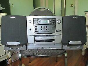 SONY CFD-Z550 CD radio cassette-corder