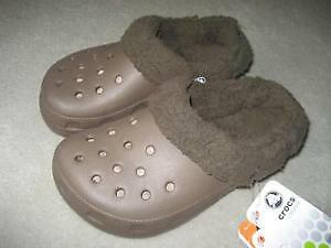 BRAND NEW LINED CROCS - Size 1/3 or 3/5