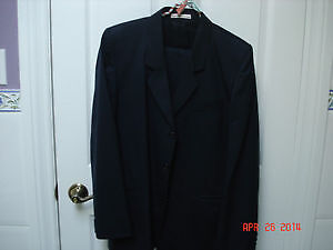 BOYS NAVY BLUE (TWO PIECE) SUIT WITH TIE INCLUDED- SIZE 20