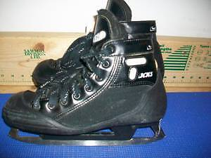 Senior Goalie Skates Size 6 (CCM Tacks 452)