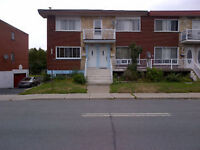 main floor duplex 5 1/2 large with large yard for rent