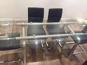 STructube Glass Dinning Table