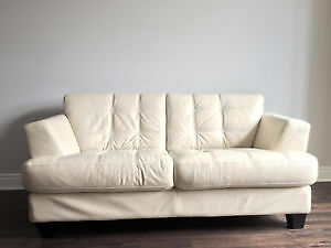 Gorgeous Genuine Leather Love Seat London Ontario image 1