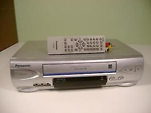 VCR Panasonic with remote control in excellent condition