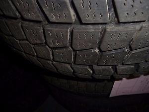 4 pneus d'hiver 235/55/17 Firestone Firehawk PVS