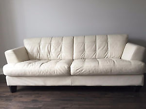 Gorgeous Genuine Leather Couch London Ontario image 1
