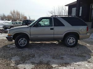 2000 Chevrolet Blazer brown SUV, Crossover