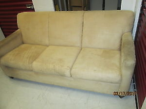 Couch 3 places/ sofa