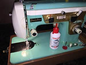 Broken unwanted sewing machine for parts or repair Kitchener / Waterloo Kitchener Area image 1