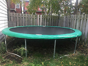 Good quality trampoline. Only $10!!