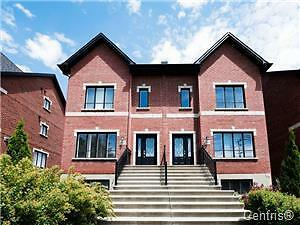 LASALLE 2011 HOUSE FOR SALE ON 2 FLOOR !!!!!!