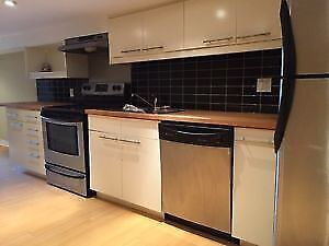 Full Kitchen and Appliances (Fridge, Oven/Stove, Dishwasher, Fan