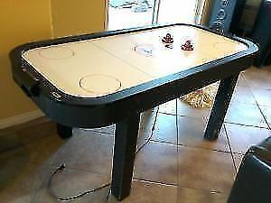 AIR HOCKEY TABLE GAME-ALMOST NEW, DISMANTLED-PRICE REDUCED