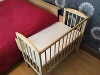 Top Quality German Solid Wood Co-Sleeper with Organic Mattress & Cover Included!