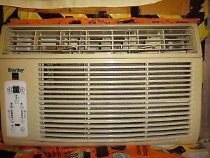 BEAUMARK 8000 BTU ELECTRONIC WINDOW AIR CONDITIONER