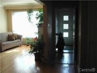 5.5 Main Floor / LaSalle Corner unit GREAT PLACE