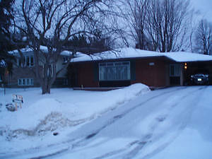 MAY 1st -- 5 bedroom bungalow for rent -- STUDENTS WELCOME