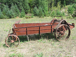 looking for.a international horse drawn manure spreader
