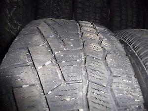 2 pneus d'hiver 185/65/15 Continental Extreme Winter Contact