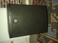 SUBWOOFER AMPLIFIEE ELECTRO-VOICE ELX18