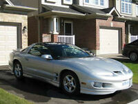 FIREBIRD w/T-TOPS – IMMACULATE CONDITION & LOW KM!!