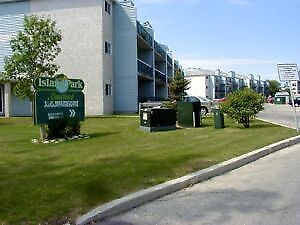 1 Bedroom Apartment in Island Lakes