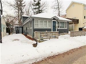 GRAND BEND COTTAGE just STEPS away from BEACH!