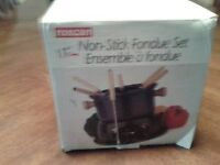ROSCAN Fondue Set  NEW!  Great for Chocolate or Cheese!