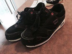 Chaussures à cap d'acier