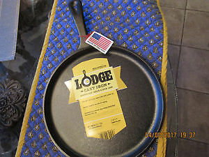 NEW Lodge 10-1/2-Inch Logic Pre-Seasoned Round Griddle Pan