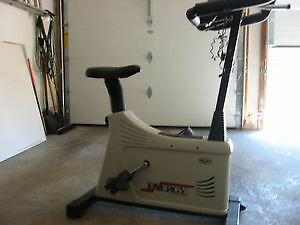 Dynacyclce 777 stationary bike like new 60 Spectrum fitness