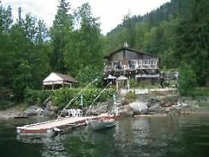 Beautiful Lake front House on Shuswap Lake