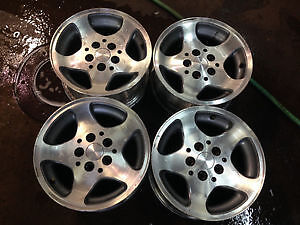 looking to buy jeep rims