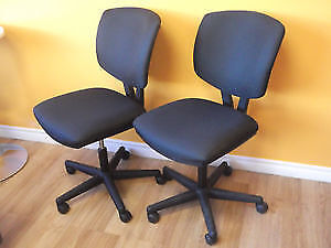 HON - VOLT TASK CHAIRS WITH SYNCHRO TILT FOR OFFICE - NEW Stratford Kitchener Area image 1