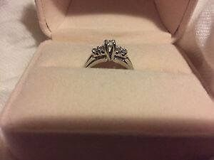Beautiful Engagement/wedding ring