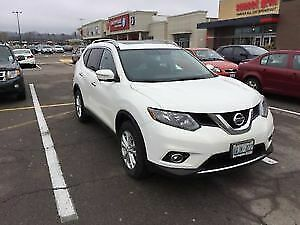 >>SOLD >> 2014 Nissan Rogue SV - AWD - Pearl White - 7 Passenger