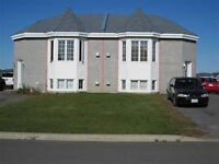 FOR RENT 2 bedrooms Appart. 4 1/2 - style condo - A LOUER