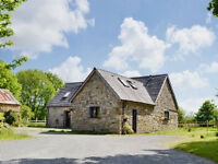 Secluded Equestrian Smallholding to Rent with 5 bed Barn Conversion, 3 Stables and 2.5 Acre Paddock