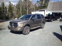 04 Dodge Durango 5.7 hemi LOW kms
