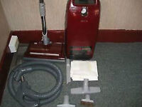 KENMORE VACUUM CLEANER W/POWER NOZZLE&ALL ATTACHMENTS & 1YR WARR