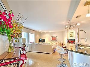 ATWATER CONDO OVERLOOKING LACHINE CANAL !!! 2 BEDROOM WITH GARAG