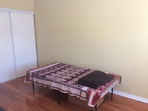 ROOM FOR RENT(No kitchen) IN BRAMPTON (AIRPORT/BOVAIRD)