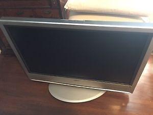 Télévision écran plat 42 pouces SONY
