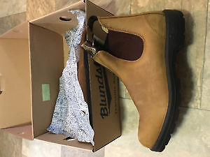 Blundstone boots NEW $180