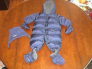 New, Gap one piece snowsuit with attachable mits and booties