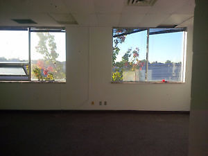 Warehouse/Office Space & Loading Docks Available for Rent Windsor Region Ontario image 2