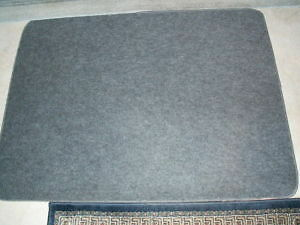 Floor mat - Great shape 48 x 36 inches