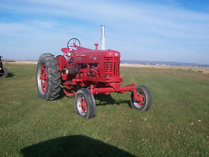 Tracteur Inter 300 Farmall